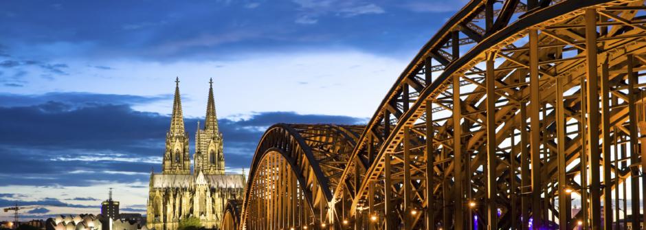 Düsseldorf Reisen, kompasskomfort, Foto 1+1 Bibliothek, Köln Führung